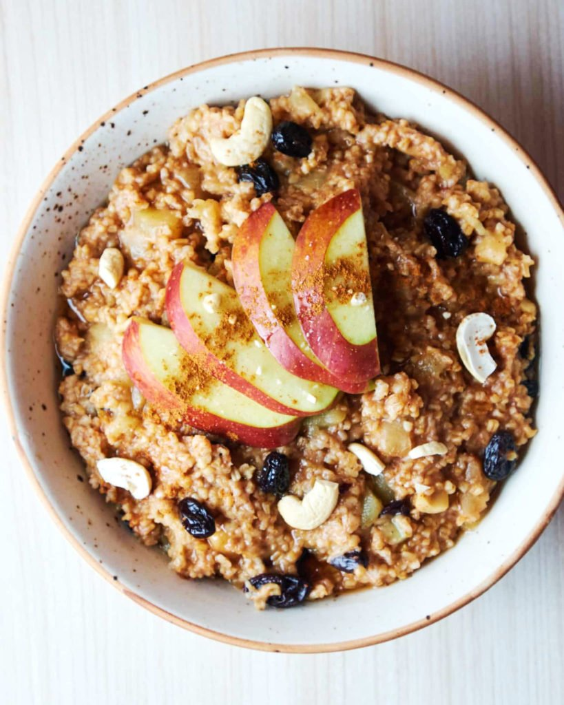 Cinnamon Apple Oat Porridge
